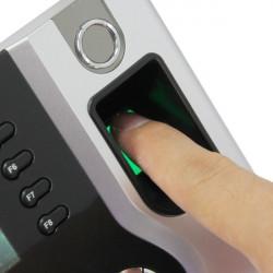 Terminál biometrika/RFID